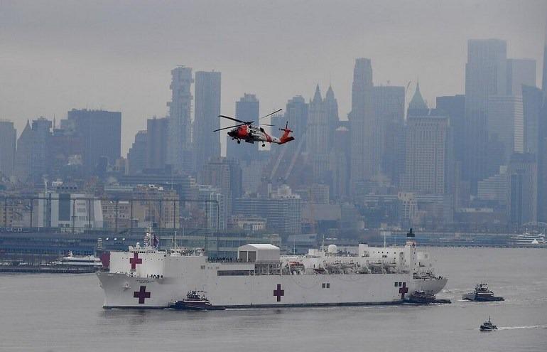 Επιστρατεύθηκε μέχρι και πλωτό νοσοκομείο, για τους ασθενείς της Νέας Υόρκης