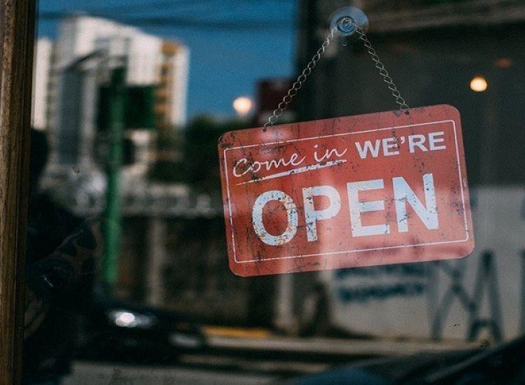 Ανοίγει η Κύπρος: Μπήκε στη ζωή μας το safe pass-Tι ισχύει από σήμερα