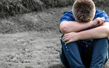 Φρίκη: Καθηγητής στην Ελλάδα καταγγέλθηκε ότι κακοποιούσε παιδί από 8 ετών!