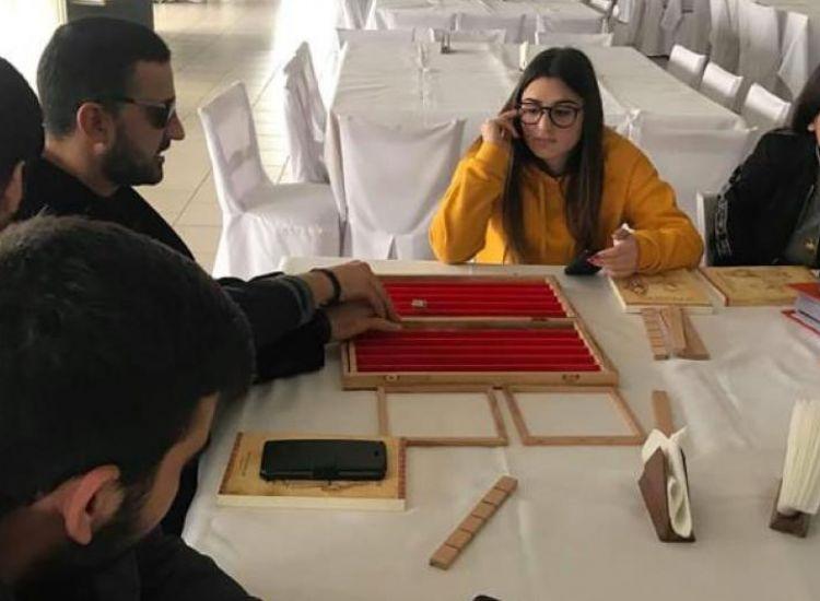 Μαθητές του Λυκείου Παραλιμνίου κατασκεύασαν τάβλι για τυφλούς