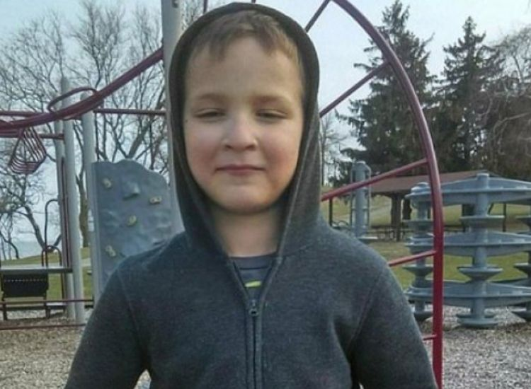 Απόλυτη φρίκη: Χτύπησαν και έθαψαν 7χρονο στο χιόνι επειδή δεν ήξερε απ' έξω τη Βίβλο (pics)