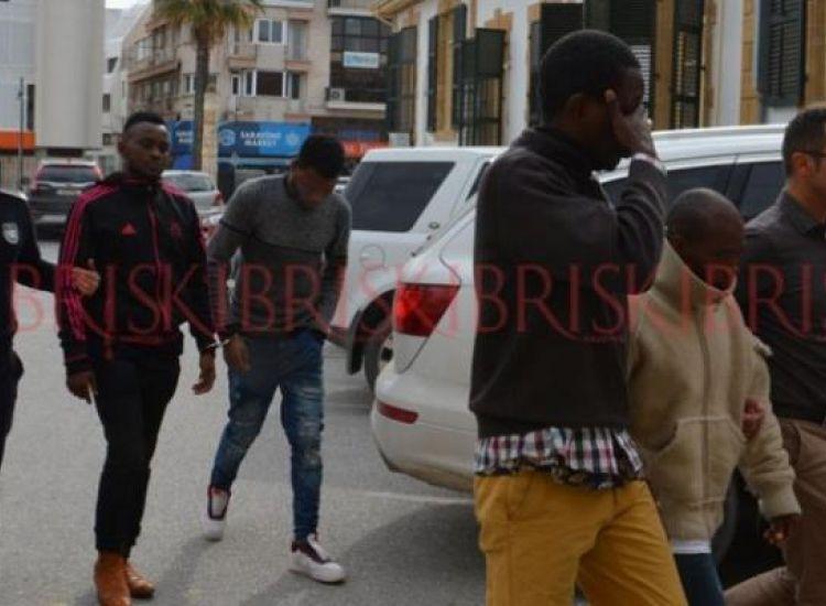 Έτσι δρουν οι διακινητές στα κατεχόμενα-Τ/κ εκρυβε τέσσερις Αφρικανούς σε βαν