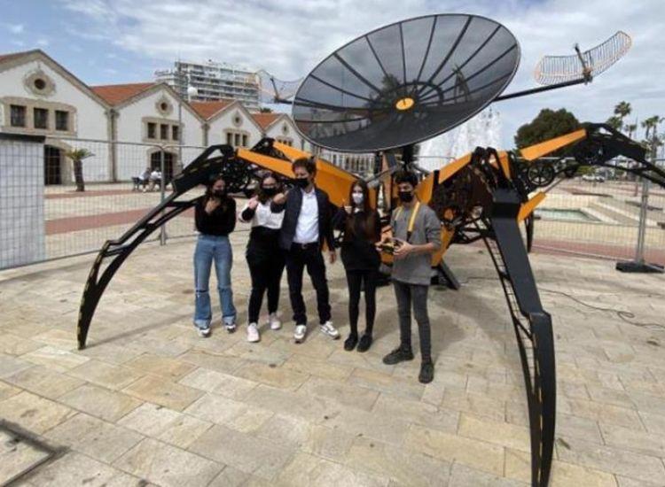 Κύπρος: Μαθητές εκτοξεύουν στο διάστημα το μεγαλύτερο εκπαιδευτικό ρομπότ