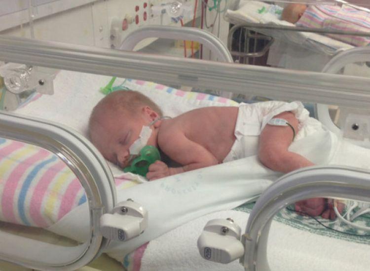 18χρονη ενώ ήταν σε κώμα γέννησε ένα υγιέστατο μωρό!