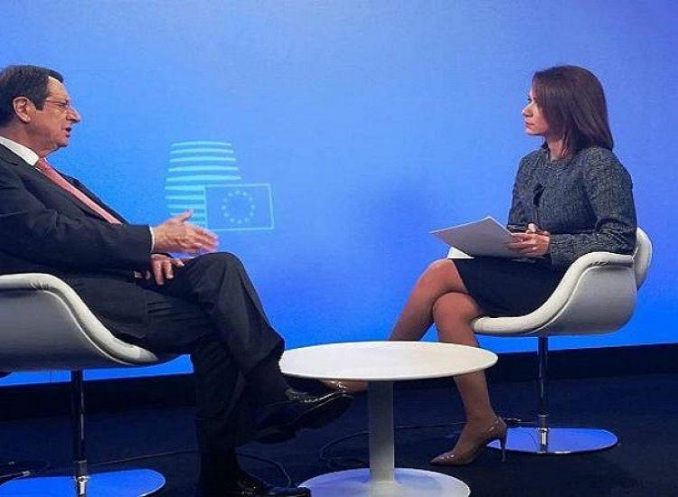 ΠτΔ στο euronews: Δεν αναστέλλουμε το ενεργειακό μας πρόγραμμα