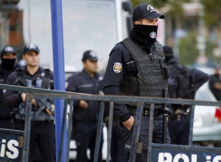Τουρκία: Εισέβαλαν στο Κοινοβούλιο και επιτέθηκαν με ξυράφι σε μέλη του προσωπικού