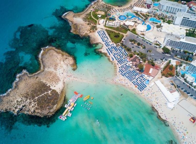 To Nissi Beach στις καλύτερες παραλίες του κόσμου!