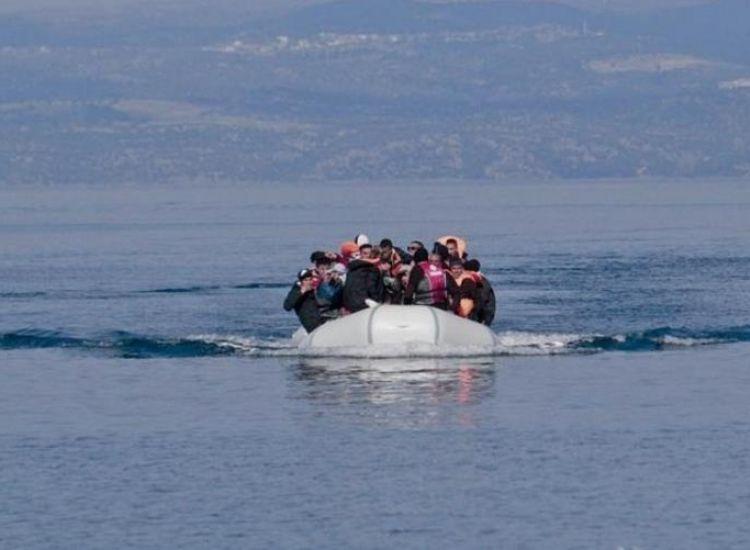 Πλοιάριο με μετανάστες ανοιχτά του Πρωταρά