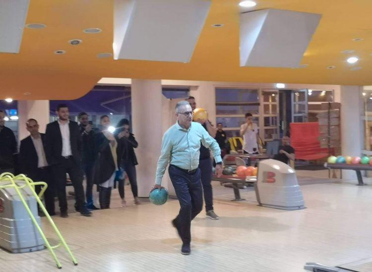 Παραλίμνι: Ο Αβέρωφ παίζει bowling και... δεν τα σπάει! (photos)
