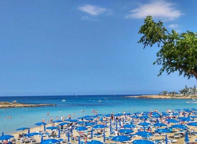 Εκπομπή στην Ελλάδα αποθεώνει Παραλίμνι, Αγία Νάπα !
