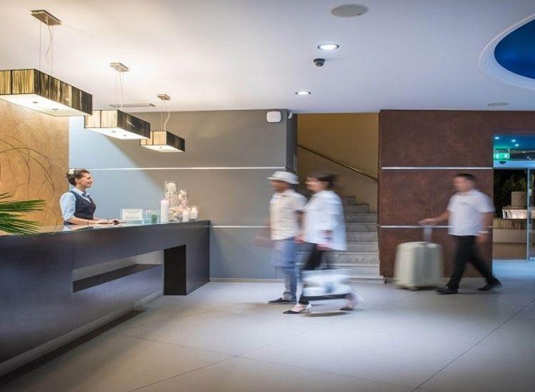 Ξενοδοχεία: Ανοίγουν 1η Ιουνίου με προσφορές από €25 το άτομο!