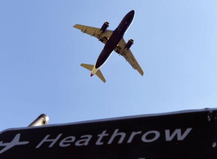 Μόνο ένας στους πέντε Βρετανούς εξετάζουν διακοπές σε «πορτοκαλί» χώρες