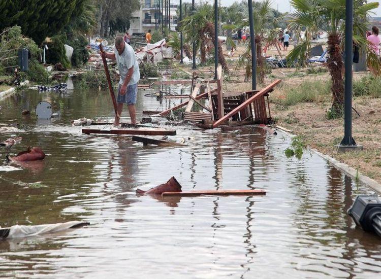 Xαλκιδική: Αγώνας δρόμου για την αποκατάσταση των υποδομών