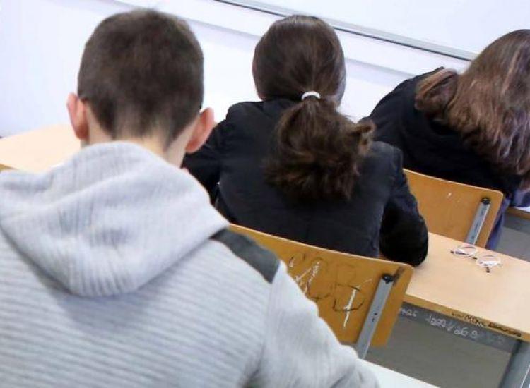Αναστέλλονται οι τελικές εξετάσεις στα Γυμνάσια