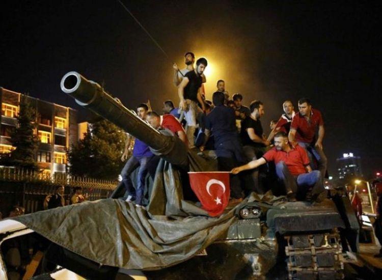 Ποινή φυλάκισης 270 ετών στους στρατιωτικούς που αποπειράθηκαν να δολοφονήσουν Ερντογάν