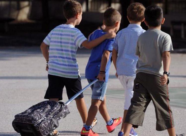 Δασκάλα επέπληξε 6χρονο αγόρι επειδή... φίλησε συμμαθητή του