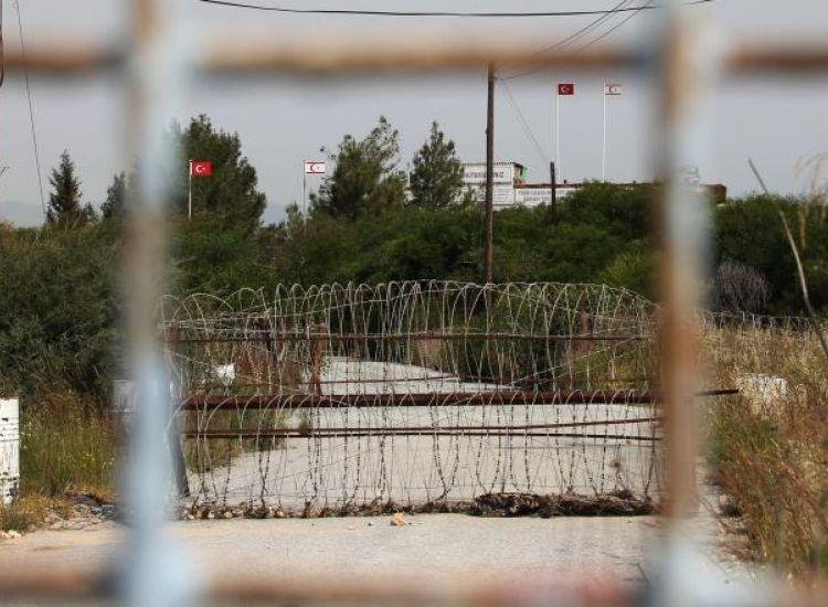 ΔΕΡΥΝΕΙΑ: Τρεις δημοτικοί σύμβουλοι Αμμοχώστου ζητούν να ανασταλεί η διάνοιξη οδοφράγματος