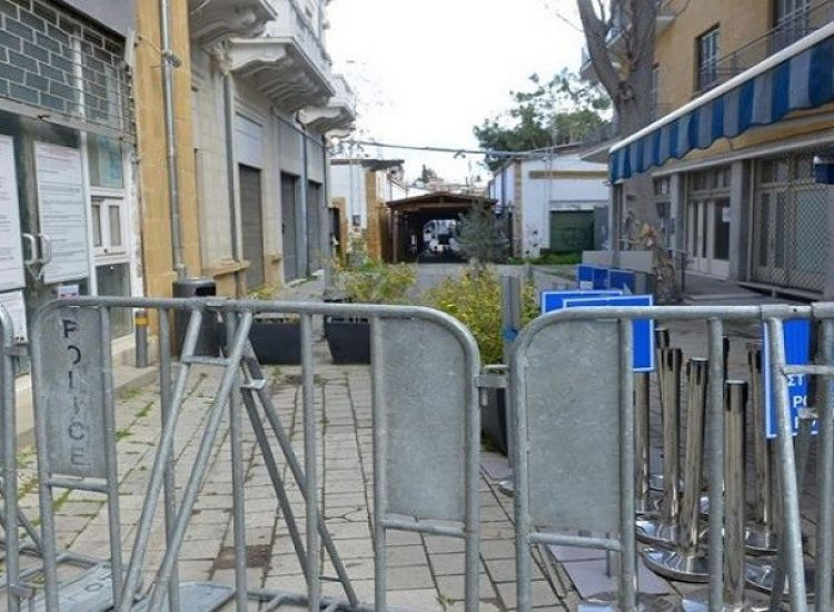 Kορωνοϊός: Έκλεισε τα οδοφράγματα για τους Ελληνοκύπριους το ψευδοκράτος