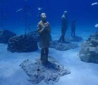 Αγία Νάπα / Εντυπωσιακές εικόνες: Εγκαινιάστηκε το υποβρύχιο μουσείο γλυπτικής «MUSAN» (photos)