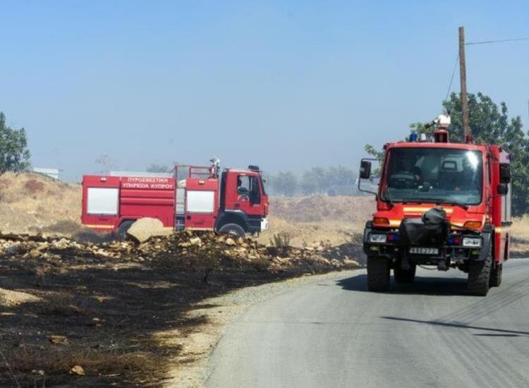 Πυρκαγιά στο Λιοπέτρι -  Κάηκαν μπάλες σανού και ξηρά χόρτα