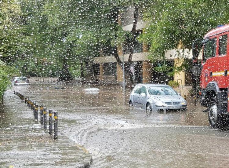 Αμμόχωστος: Πλημμύρισαν υποστατικά και ακινητοποιήθηκε όχημα από τη βροχόπτωση