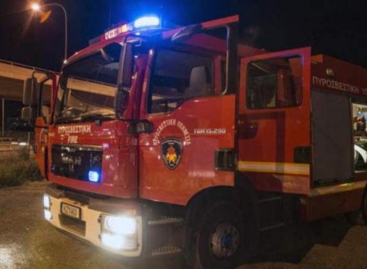 Σωτήρα: Στις φλόγες δύο οχήματα παρά τον αυτοκινητόδρομο - Εκτεταμένες ζημιές