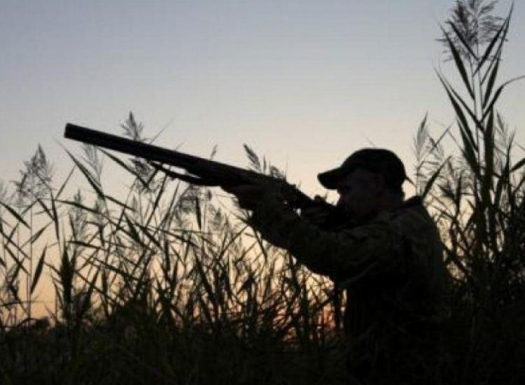 Τέσσερα άτομα τραυματίστηκαν από πυροβολισμούς στο κυνήγι – Ο ένας ανήλικος