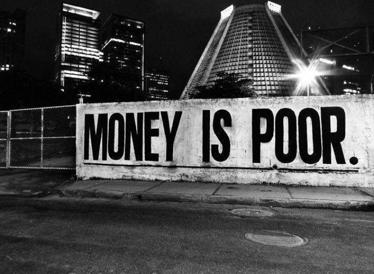 Τα λεφτά...αυτά μας κατέστρεψαν, αυτά φταίνε...τα λεφτά!