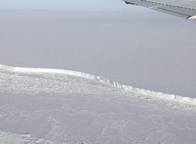 Ετοιμάζεται να αποκολληθεί παγόβουνο 2 φορές μεγαλύτερο από τη N. Υόρκη