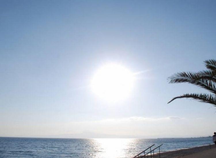 «Σκαρφαλώνει» στους 37 ο υδράργυρος. Οι προβλέψεις μέχρι το Σάββατο