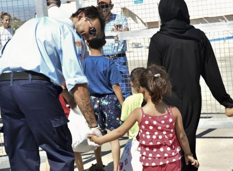 Αμμόχωστος: Θέλουν να απελάσουν άντρα που είναι παντρεμένος με Τουρκοκύπρια!
