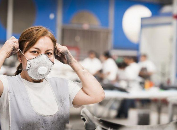 Εκατοντάδες έλεγχοι σε επιχειρήσεις λιανικής και εργοτάξια