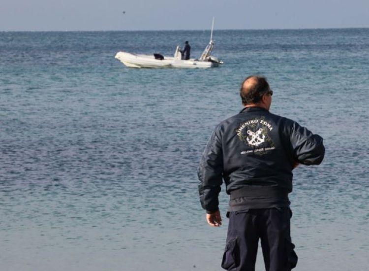 ΕΚΤΑΚΤΟ: Εντοπίστηκε πτώμα άνδρα σε παραλία στη Χαλκιδική