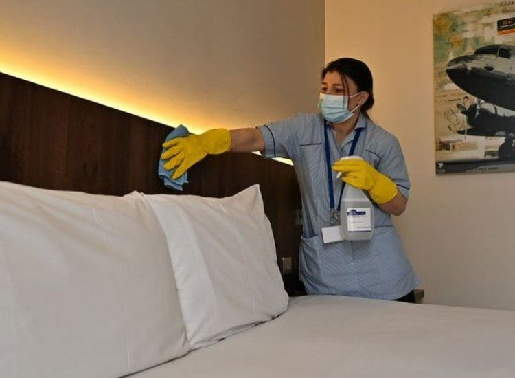 Υφ. Τουρισμού: Ψάχνει ξενοδοχεία καραντίνας για το καλοκαίρι