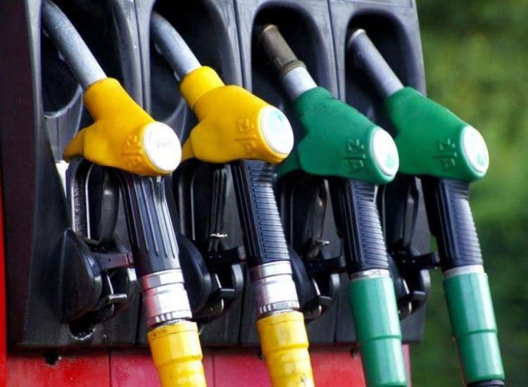 Αυξήθηκαν οι τιμές των καυσίμων τον Ιούλιο-Άνοδος 2,6 σεντ στο πετρέλαιο κίνησης