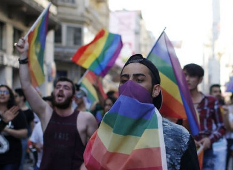 Κύπρος: Άγρια κόντρα στα social media με φόντο την ομοφυλοφιλία
