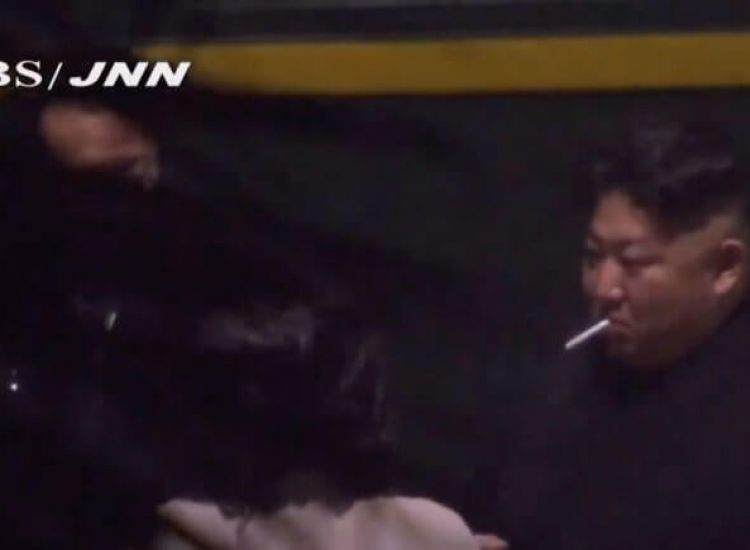 Έφτασε στο Βιετνάμ ο Κιμ Γιονγκ Ουν-Έκανε στάση για... τσιγάρο