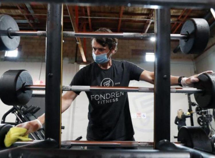 Τι ισχύει τελικά με τα γυμναστήρια και τις μάσκες