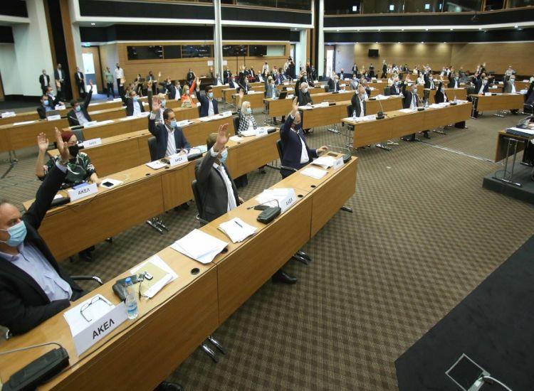 Συνενώσεις δήμων: Υιοθετήθηκε πρόταση για δημοψηφίσματα το 2023 στην Ολομέλεια