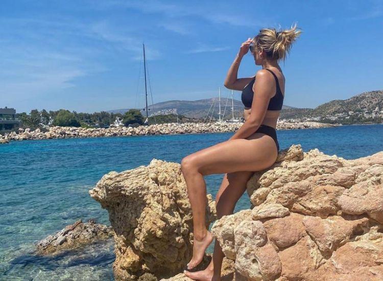 H Κωνσταντίνα έβαλε τα μπικίνι της και... γκρέμισε το Instagram [εικόνες]