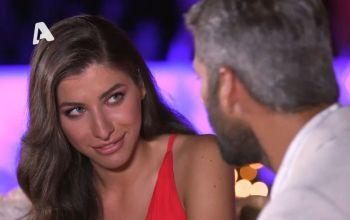 Τhe Bachelor: Η Άννα εξομολογείται στον Αλέξη ότι πιστεύει στους… δεινόσαυρους και το Twitter κάνει πάρτι