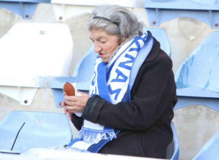 Πένθος στον Εθνικό - Έφυγε η γιαγιά Κυριακού (pics)