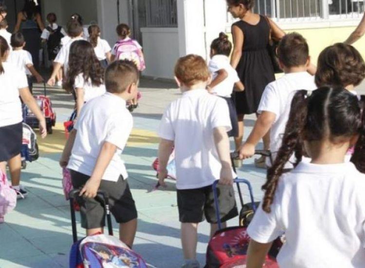 Αναστατωμένοι οι γονείς από τον άνδρα που προσεγγίζει παιδιά-Εκπέμπουν SOS οι Φύλακες
