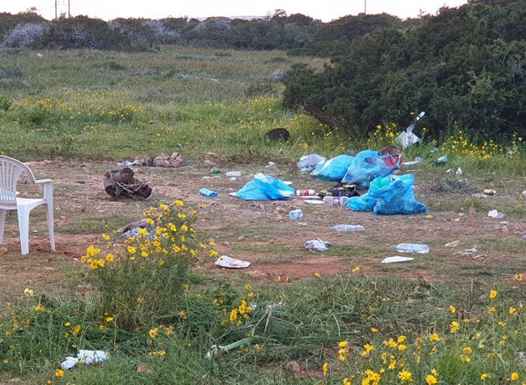 Κάβο Γκρέκο: Άφησαν πίσω τους...σκουπίδια!