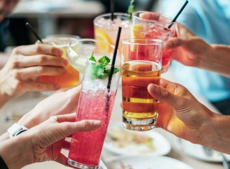 12 κρούσματα σε διάφορα πάρτι στην Κύπρο - Έκκληση από Υπ. Υγείας