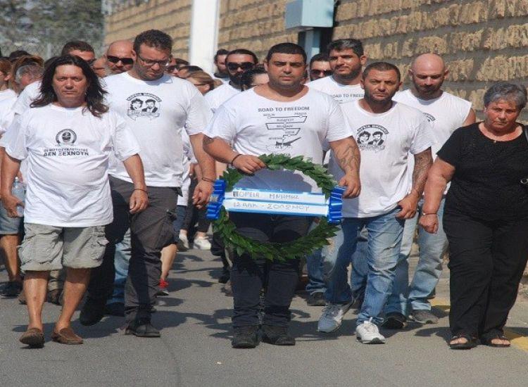 Συγκίνηση: 1200 μοτοσικλετιστές στο πλευρό της κόρης του Ισαάκ