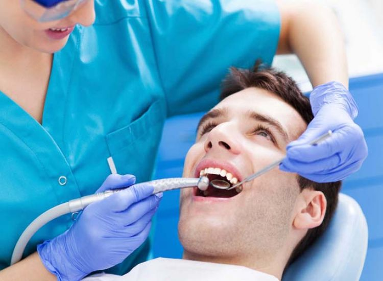 Στα κατεχόμενα οι Ε/κ ακόμα και για δόντια! Ποιος ο κίνδυνος (vid)
