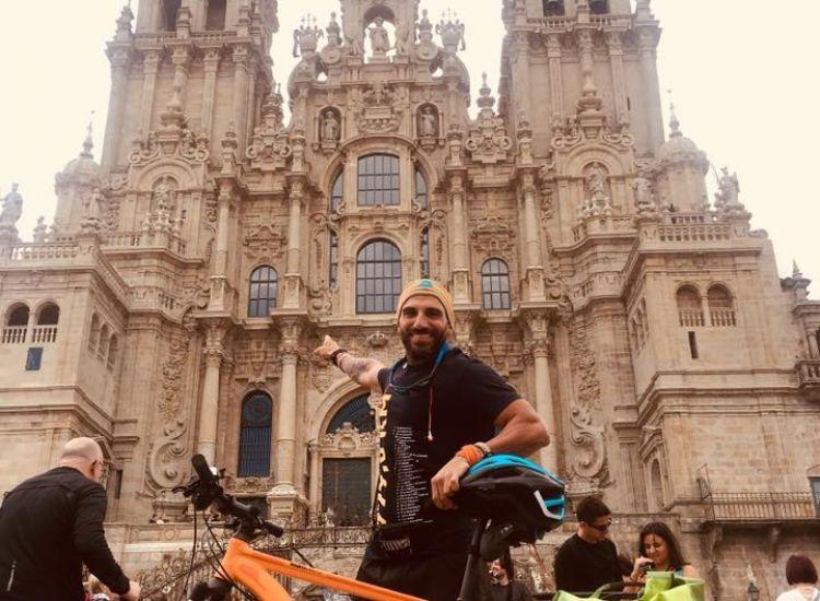 Ζανέττος Λουκά: Ο άνθρωπος που διένυσε 790 χιλ. με το ποδήλατο!