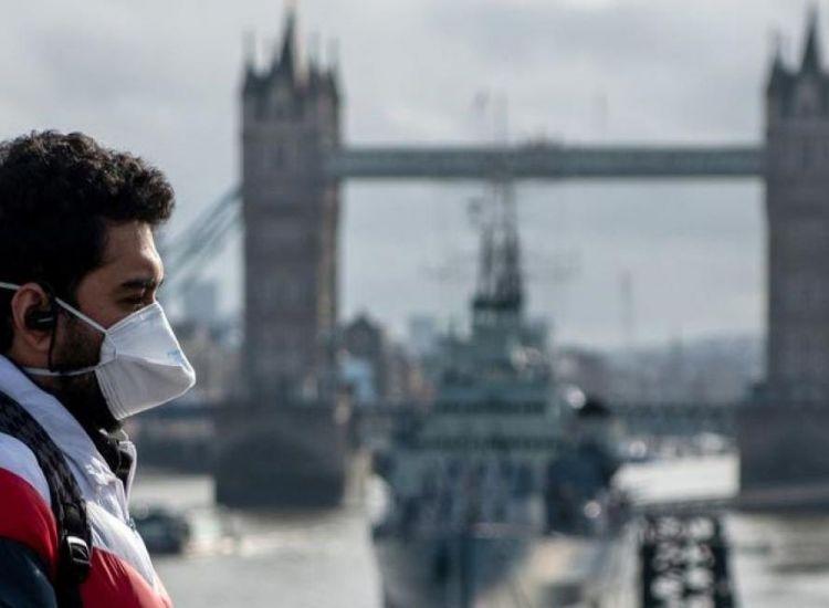"""Βρετανία: """"Πράσινο"""" για ταξίδια αναψυχής στις 17 Μαΐου – Το πλάνο της κυβέρνησης"""
