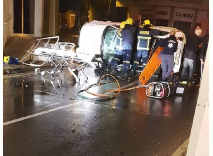 Φρέναρος: Τροχαίο με μεθυσμένο νεαρό – Επέμβαση Πυροσβεστικής